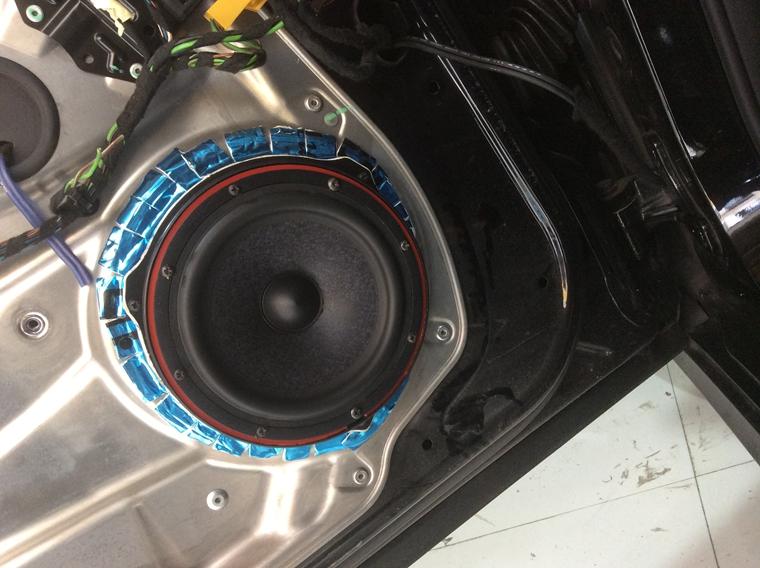 奔驰音响改装升级一套喇叭 锐客dsp处理器